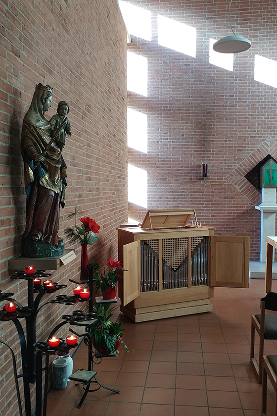 Orgelbau Kaps, Truhenorgel, St. Ulrich, Unterschleißheim
