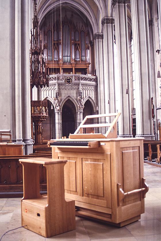 Orgelbau Kaps, Truhenorgel, Heilig Kreuz, München-Giesing